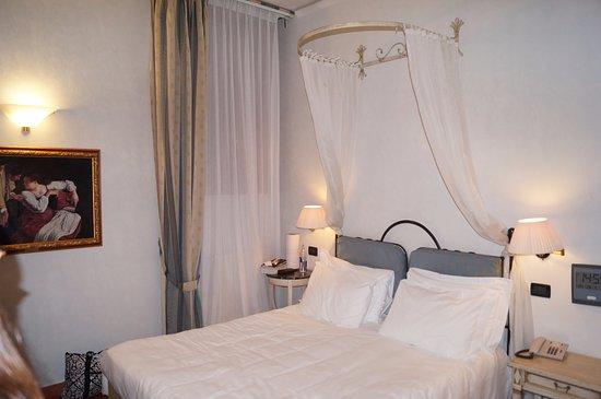 Hotel Davanzati: View of our room