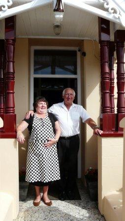 Clement Dale Guest House: Our fantastic landlady and landlord - Ros & Trevor
