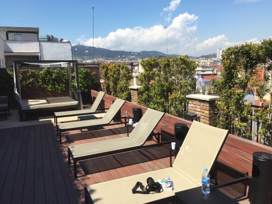 U232 Hotel: A nice rooftop patio at the Hotel U232.