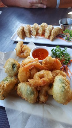 Thai Little Home: Tempura Broccoli and Shrimp. Pot stickers