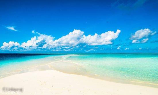 Cocoa Island by COMO: sand bank