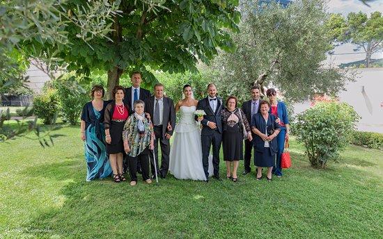 Pozzilli, Itália: I miei parenti con gli sposi