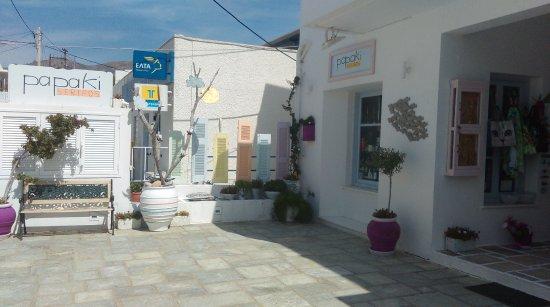 Livadi, Greece: papaki serifos giftshop