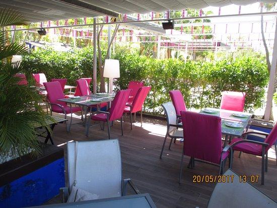 la terrasse couverte - Picture of Restaurante Calabajio ...