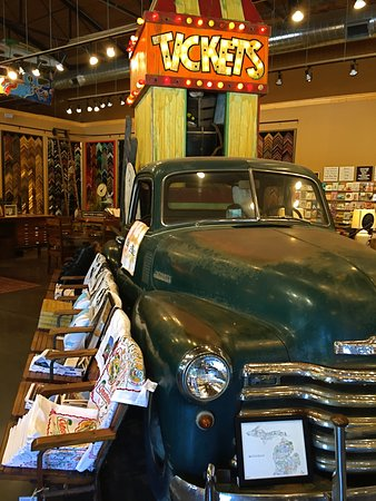 Clawson, Мичиган: Fun interior