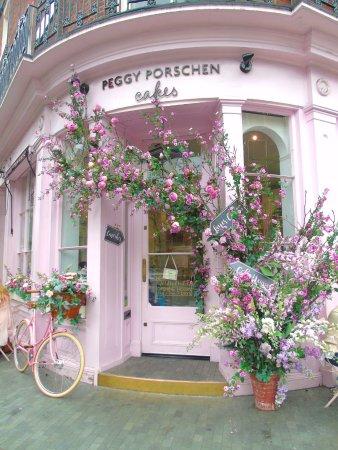 Porsche Experience Center >> Esterno - Picture of Peggy Porschen Cakes, London - TripAdvisor