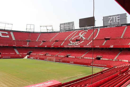 ‪Estadio Ramon Sanchez-Pizjuan‬