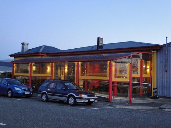 Denniston Dog Restaurant & Bar: Denniston Dog