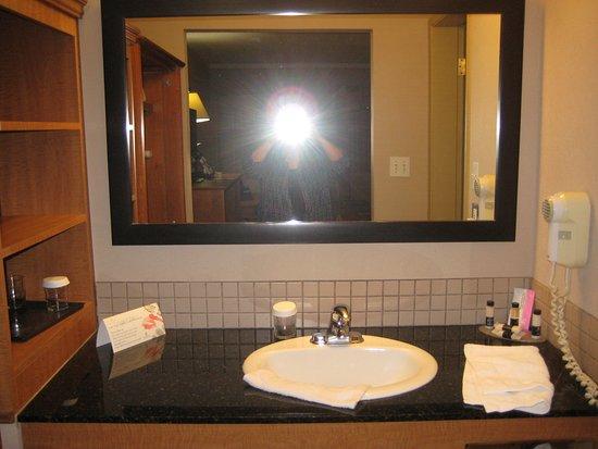 Stettler, Kanada: Double Queen Room - older part of hotel
