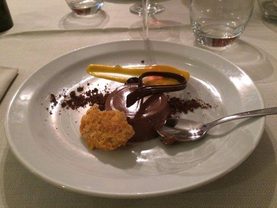 Cissone, Italia: Fantastisk dessert, chokladpannacotta med passionsfruktscreme