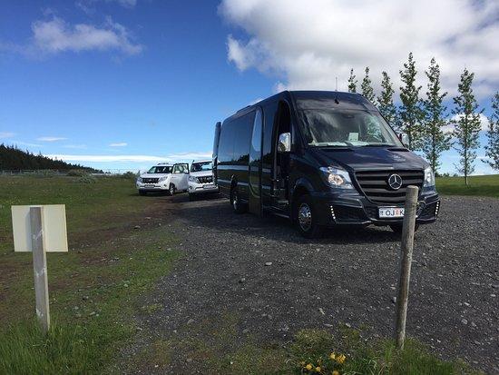 Kopavogur, Island: A few photos of the cars traveling Iceland
