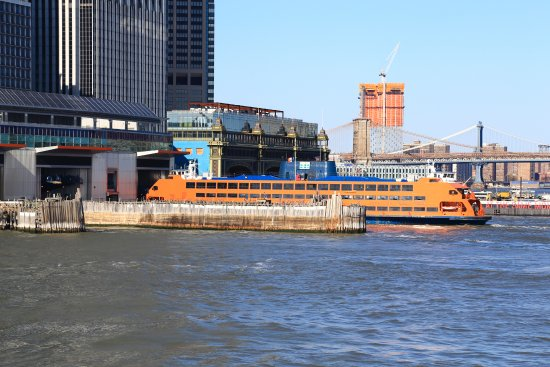Does Staten Island Ferry Carry Cars