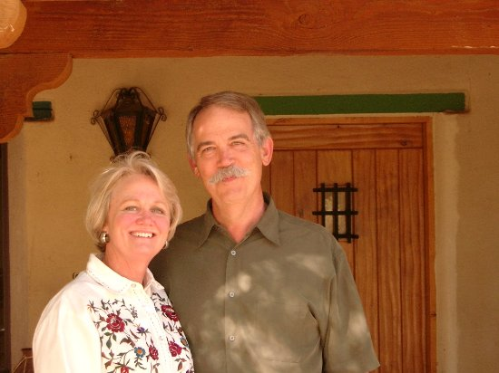 The Casitas at Smokey Springs Ranch: Bob and Beth Welcome You