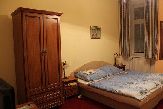 Room U0026 Suite (9)