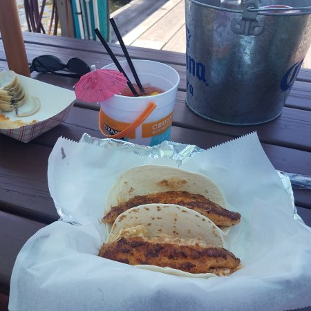 Big Owl's Tiki bar: Fish Tacos and drinks