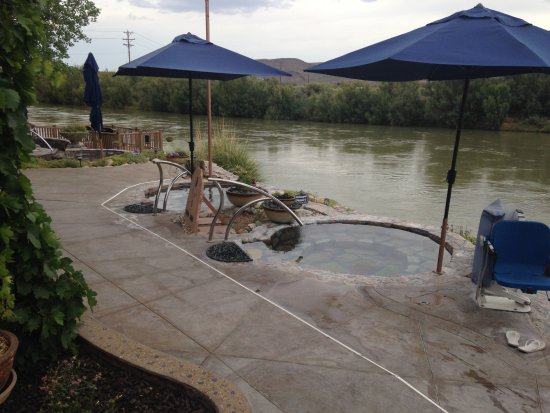 Riverbend Hot Springs: Soaking tubs by the Rio Grande