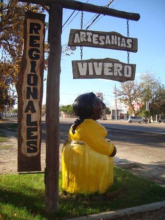 Tunuyan, Argentina: Encontranos! Estamos sobre la calle San Martín al 202 de Tunuyán (RN 40)