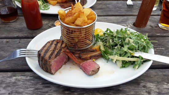 Edington, UK: 6oz fillet steak