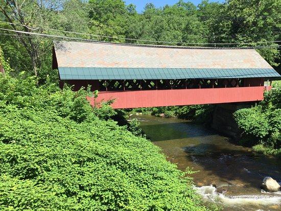Creamery Covered Bridge: Side view with brook flowing below