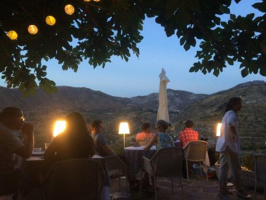 La Almunia del Valle: Sunset at dinner
