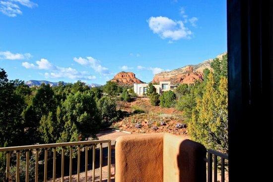 Alma de Sedona Inn Bed & Breakfast: View from Native Spirits
