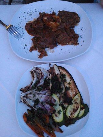 Podere Palazzolo: Cena. Ossobuco con verduras