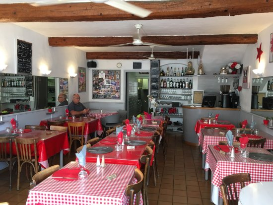 le restaurant photo de le provencal sanary sur mer tripadvisor. Black Bedroom Furniture Sets. Home Design Ideas