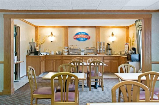 Baymont Inn & Suites Conroe/The Woodlands: photo0.jpg