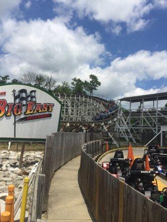 Hotels Near Six Flags Maryland