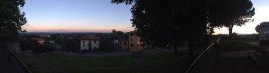 Moruzzo, Италия: il panorama da Villa Cecilia