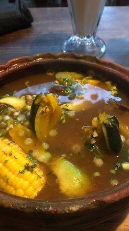 La Casa de las Sopas: Deliciosa comida! Caldo de Res y Caldo tlalpeño