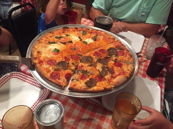 Sal's Neighborhood Pizzeria: photo2.jpg