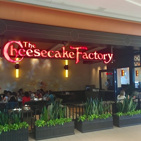 The Cheesecake Factory Restaurant in Memphis, TN