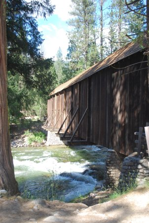 Wawona, Californien: The covered bridge