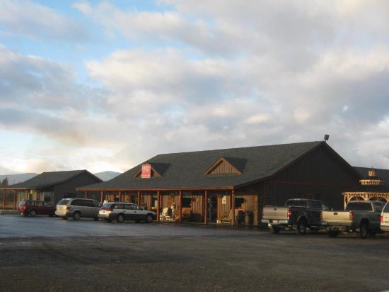 Bonners Ferry, ID: Front of bakery and store