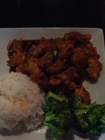 Tsunami Sushi & Hibachi Grill: More than delicious Sushi! Amazing Asian cuisine and Elegant ambiance.