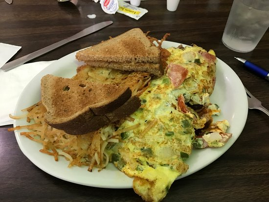 Canajoharie, NY: overdone omelet and hash browns