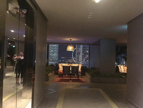 Beautiful Wonderful Modern Hotel, Fantastic Location!