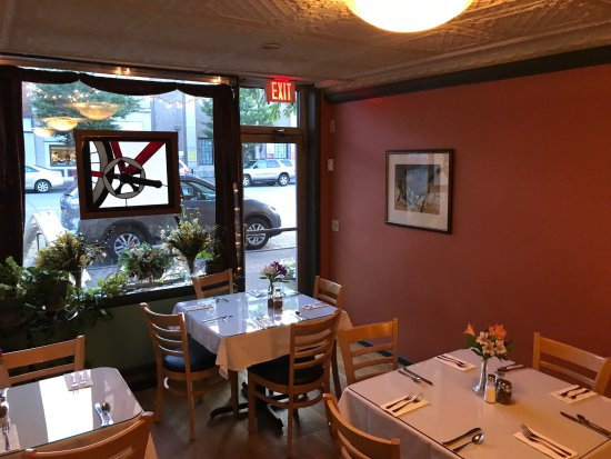 Mount Morris, NY: separate dining area for parties and busy nights