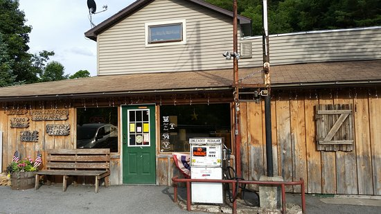 Cross Fork, PA: Kinny's Country Store