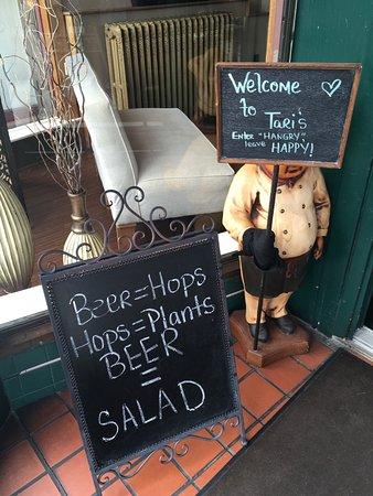 Berkeley Springs, Wirginia Zachodnia: Have a salad!