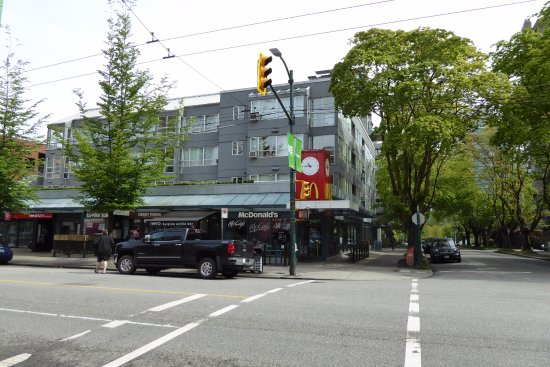 Robson Suites: nice area of town