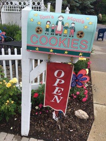 Tom's Mom's Cookies: photo2.jpg