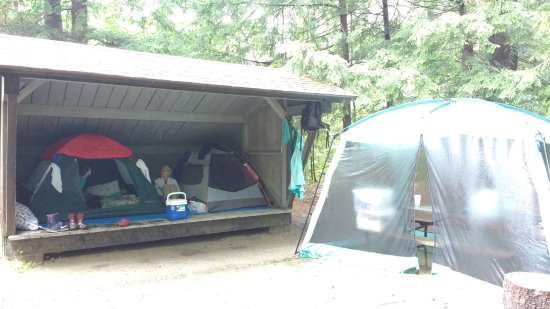 Hartford, VT: That's a 4-person tenat and a 2-person tent sharing the Birch lean--to, with space between.
