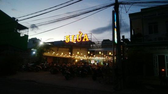 Ha Tien, Vietnam: 5 Lua Restaurant