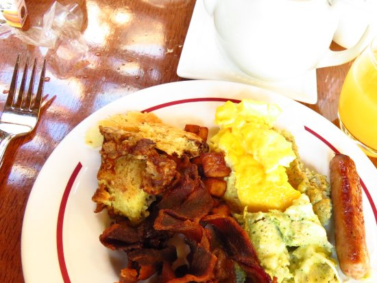 The Whiteface Lodge: Breakfast