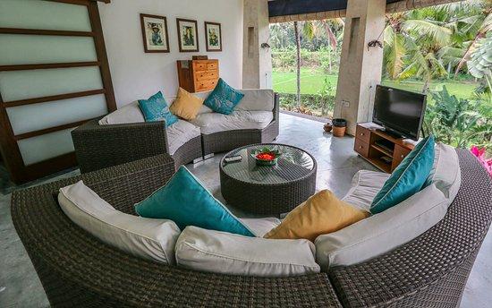 Villa Sancita: Our den and media room to enjoy a good book or movie