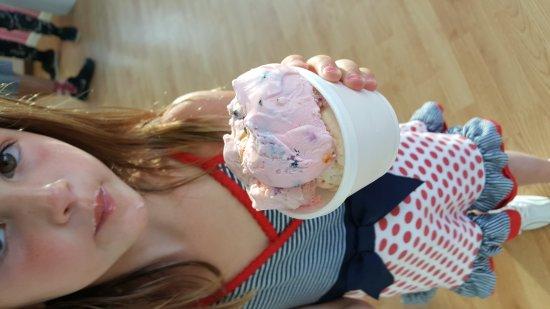 Lizzy's Ice Cream : 20170702_193020_large.jpg