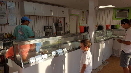 Lizzy's Ice Cream : 20170702_192747_large.jpg