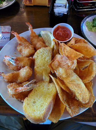 Sunrise Beach, MO: Shrimp and chips.